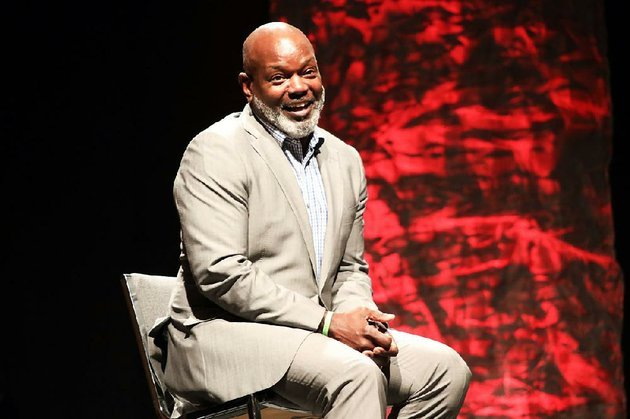 former-dallas-cowboy-emmitt-smith-speaks-to-high-school-athletes-saturday-night-at-the-all-arkansas-preps-awards-banquet-in-little-rock
