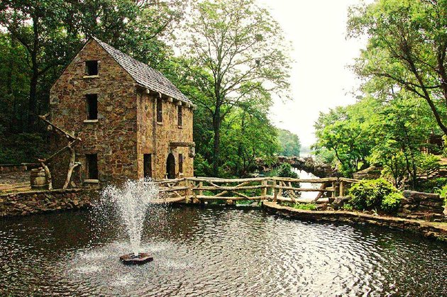the-old-mill-in-north-little-rock-is-a-lovely-place-to-begin-this-walk