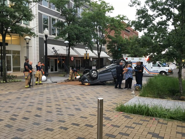 an-suv-flipped-onto-its-top-in-a-single-vehicle-crash-monday-in-downtown-little-rock