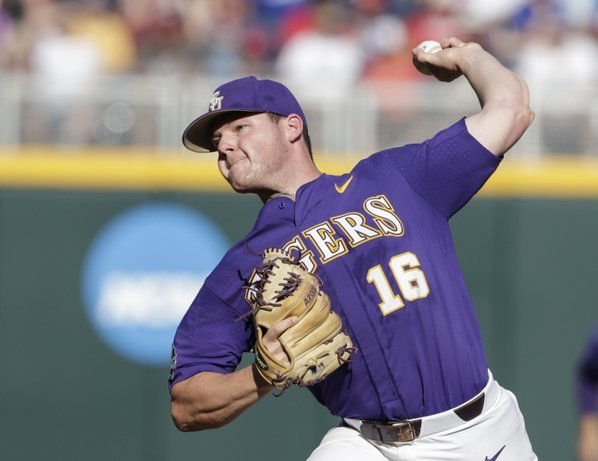 Papierski, Gilbert power LSU into CWS Finals