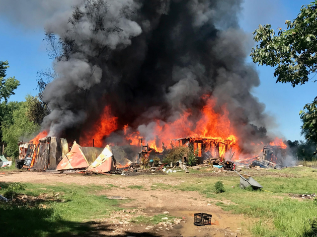 Photos video fire engulfs home west of little rock for Dettmer homes