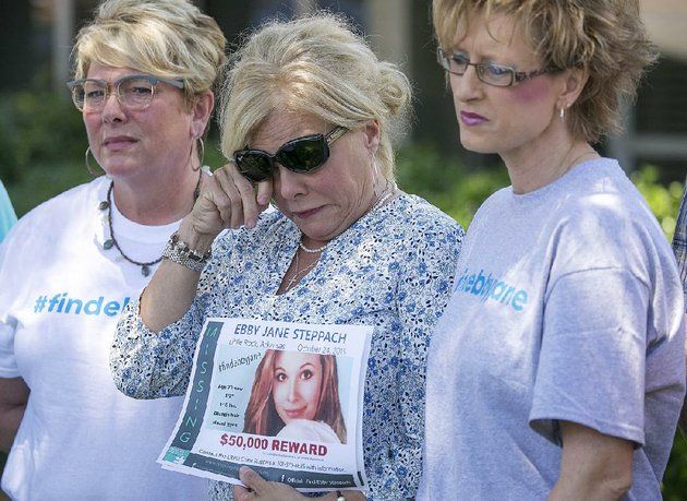 laurie-jernigan-center-mother-of-missing-teen-ebby-steppach-wipes-tears-while-announcing-a-50000-reward-for-information-about-her-daughters-disappearance-during-a-news-conference-at-the-little-rock-police-department-in-june-2017-with-her-are-melissa-holman-left-and-tonya-crandall