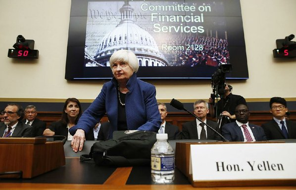 Yellen keeps options open on rate hikes