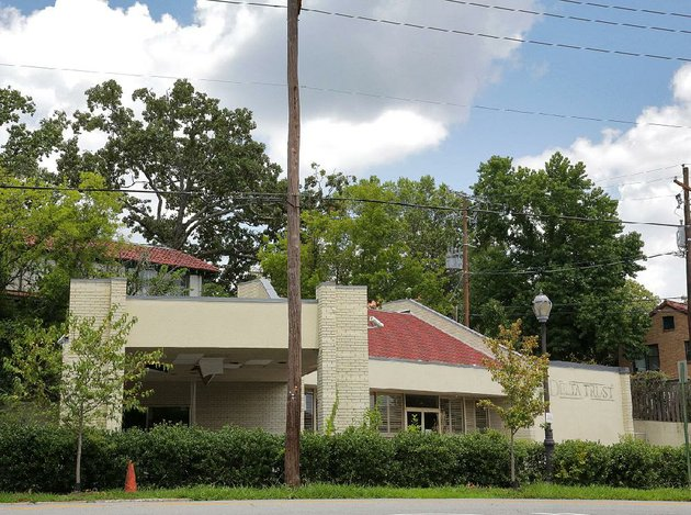 the-former-delta-trust-bank-branch-at-2924-kavanaugh-blvd-in-hillcrest-sold-last-month-for-540000-it-will-be-converted-into-an-orthodontists-office
