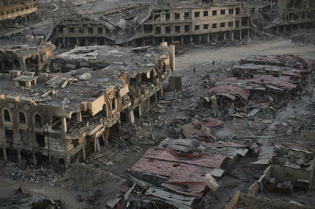 this-west-side-neighborhood-like-many-areas-in-mosul-iraq-is-in-ruins-after-years-of-war-after-islamic-state-fighters-took-control-of-the-city-in-2014-they-tested-and-refined-explosives-there