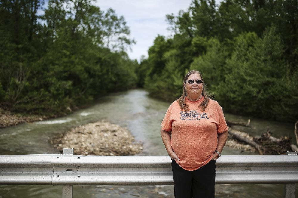 Arkansas hog farm in watershed finds tolerance, disdain   NWADG