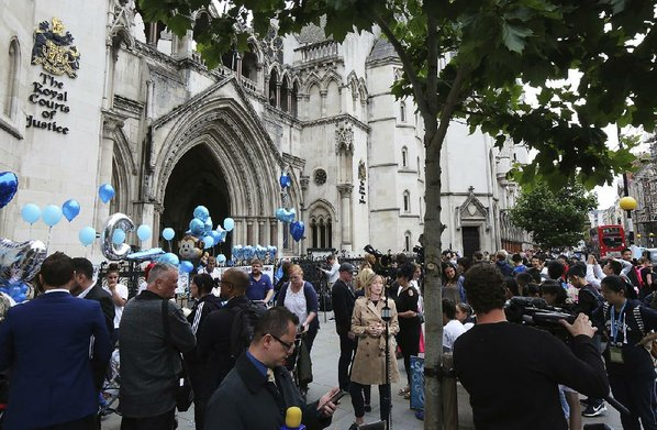 Charlie Gard's dad yells, mom weeps after brain scan called 'sad'