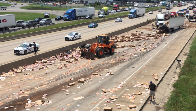 pizzas-cover-westbound-interstate-30-in-little-rock-after-a-truck-crash-wednesday