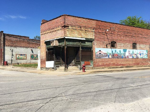 this-building-in-downtown-elaine-is-being-considered-as-the-site-for-a-museum-as-phillips-county-civic-leaders-hope-to-create-a-memorial-for-people-killed-in-a-1919-massacre