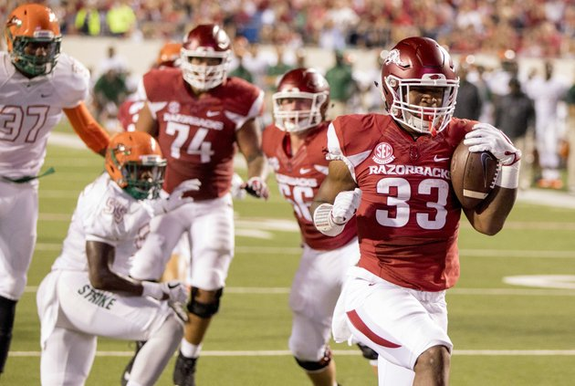 arkansas-running-back-david-williams-33-scores-a-touchdown-during-the-second-quarter-of-an-ncaa-college-football-game-against-florida-am-on-thursday-aug-31-2017-in-little-rock-ap-photogareth-patterson