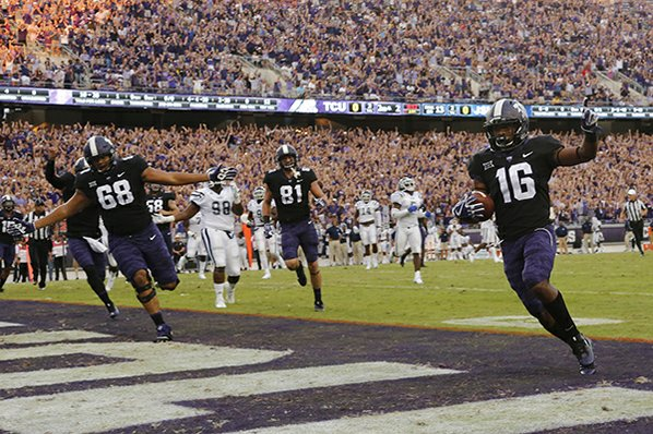 TCU scores quickly but Arkansas strikes big for even first quarter
