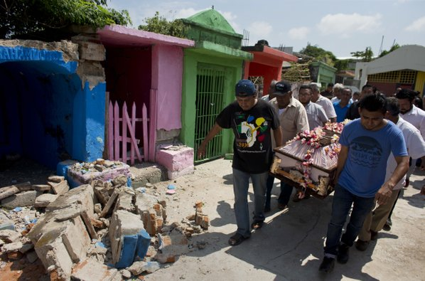 Aftershocks keep hitting quake-stung Mexico town