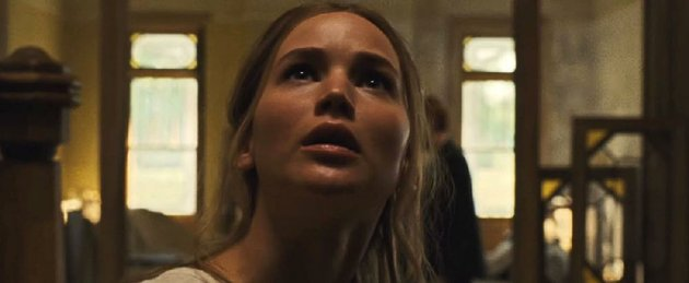 jennifer-lawrence-runs-into-problems-when-uninvited-guests-show-up-in-darren-aronofskys-mother