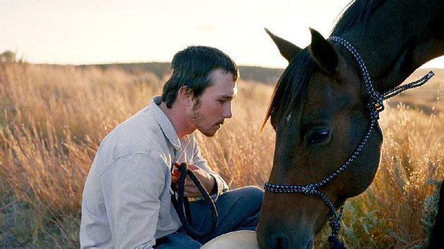 ex-rodeo-rider-brady-jandreau-plays-horse-whisperer-brady-blackburn-in-chloe-zhaos-the-rider