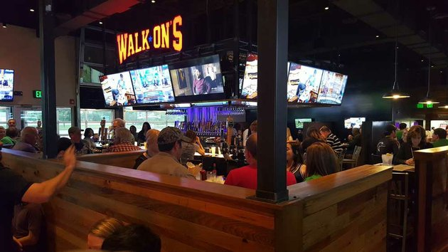 this-photo-shows-a-typical-walk-ons-bistreaux-bar-location