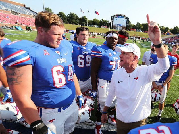smu-coach-chad-morris-right-contacted-arkansas-state-coach-blake-anderson-for-guidance-in-2014-as-anderson-was-completing-his-first-season-at-asu-and-just-after-morris-had-accepted-his-first-collegiate-head-coach-position-with-the-mustangs