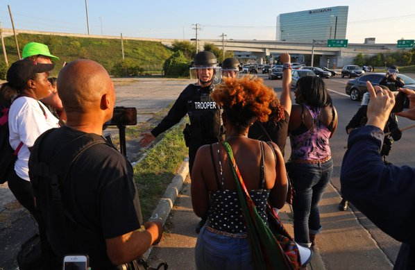 Hundreds protest police shooting of black man in St. Louis