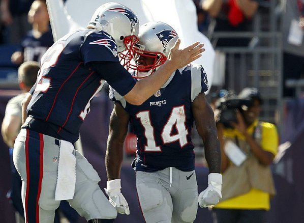 Patriots look to improve to 2-1 against Texans