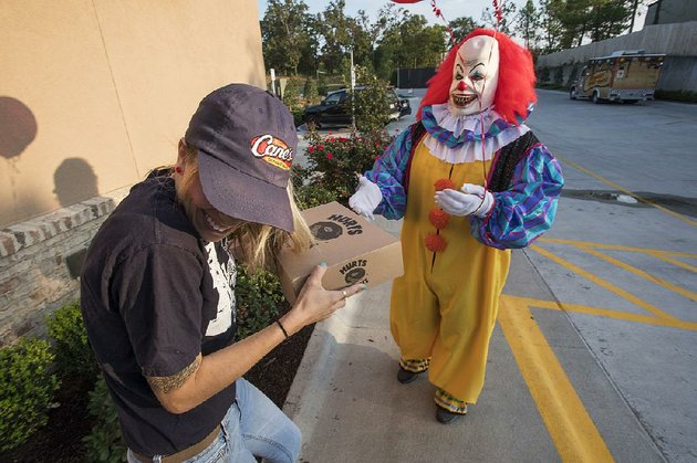 arkansas store sends scary clown to deliver doughnuts phone rings nonstop owner says - Halloween Stores In Fayetteville Ar