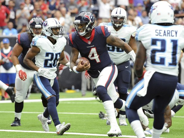 Marcus Mariota leaves Titans game with hamstring injury