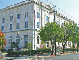 Upgrades coming: The Federal Building in El Dorado at the corner of East Main Street and South Jackson Avenue.