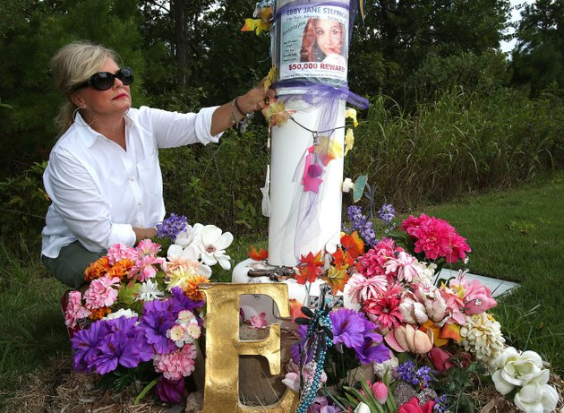 arkansas-democrat-gazettethomas-metthe-laurie-jernigans-daughter-ebby-steppach-went-missing-in-2015-for-ebbys-family-and-friends-the-two-years-since-have-been-filled-with-questions-and-frustration-as-they-pursue-tips-that-fizzle-out-i-dont-know-said-her-mother-laurie-i-dont-know-what-happened-to-her-but-somebody-does