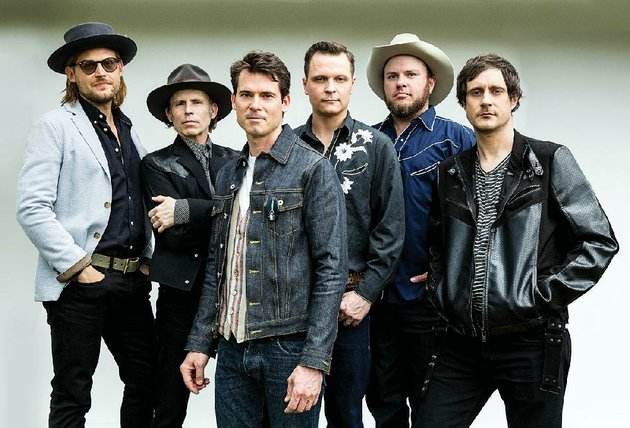 the-old-crow-medicine-show-performs-50-years-of-blonde-on-blonde-in-its-entirety-thursday-at-fayettevilles-walton-arts-center