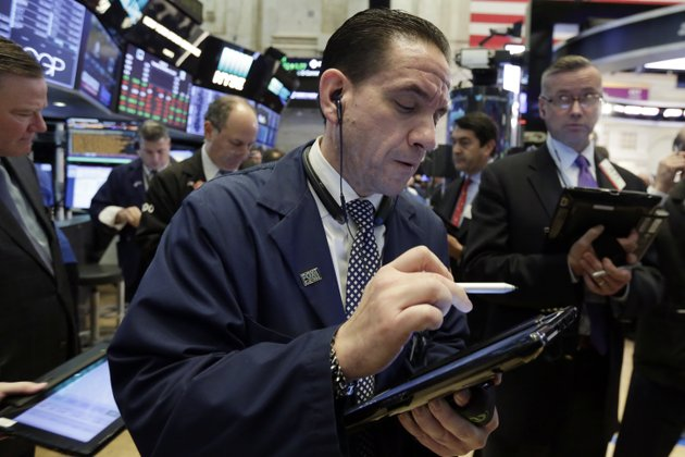 trader-tommy-kalikas-works-on-the-floor-of-the-new-york-stock-exchange-tuesday-nov-14-2017-stocks-are-opening-lower-on-wall-street-as-technology-companies-banks-and-retailers-sink-ap-photorichard-drew