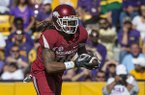 Arkansas tight end Will Gragg runs after the catch during a game against LSU on Saturday, Nov. 11, 2017, in Baton Rouge, La.