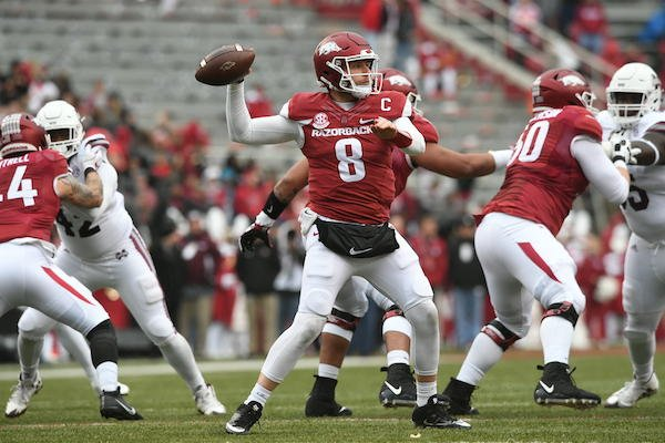 senior-quarterback-austin-allen-sets-to-throw-in-arkansas-28-21-loss-to-mississippi-state-saturday-nov-18-2017-at-donald-w-reynolds-razorback-stadium-in-fayetteville