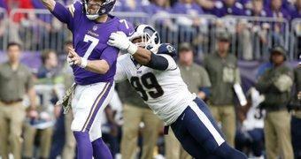Minnesota Vikings quarterback ...