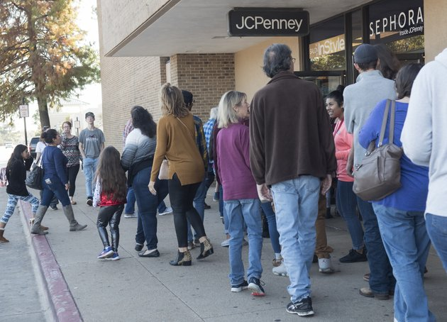 shoppers-are-wrap-around-the-building-as-jc-penney-and-sephora-at-broadway-square-mall-in-tyler-texas-open-their-doors-on-thanksgiving-day-thursday-nov-23-2017-sarah-a-millertyler-morning-telegraph-via-ap