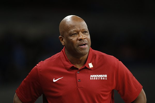 arkansas-head-coach-mike-anderson-watches-the-action-in-the-first-half-of-an-ncaa-college-basketball-game-during-the-phil-knight-invitational-tournament-in-portland-ore-friday-nov-24-2017-ap-phototimothy-j-gonzalez