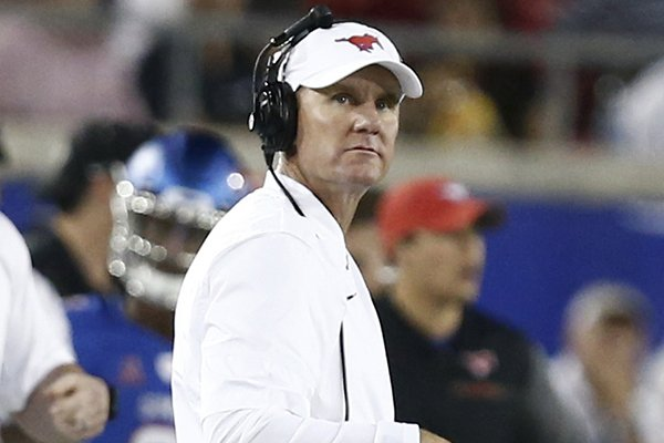 smu-head-coach-chad-morris-directs-the-mustangs-against-central-florida-during-the-first-half-of-an-ncaa-college-football-game-saturday-nov-4-2017-in-dallas-ap-photomike-stone