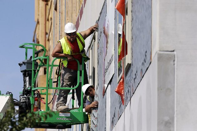 workers-build-an-apartment-and-retail-complex-in-nashville-tenn-in-october-the-us-labor-department-reported-wednesday-that-productivity-had-its-best-showing-in-three-years-in-the-third-quarter