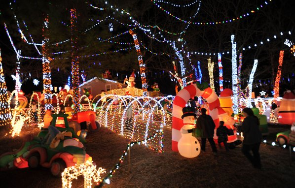 stewart family christmas light display reaches national audience