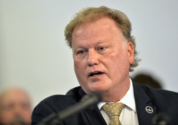 Kentucky lawmaker kills himself day after denying he molested girl, 17