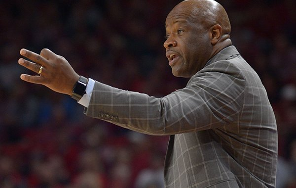 Arkansas coach Mike Anderson directs his team against Minnesota Saturday, Dec. 9, 2017, during the second half in Bud Walton Arena.
