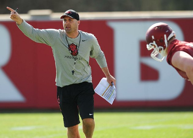 barry-lunney-jr-arkansas-tight-ends-coach-the-past-five-seasons-under-bret-bielema-was-the-only-member-of-bielemas-on-field-coaching-staff-who-was-not-fired-last-week