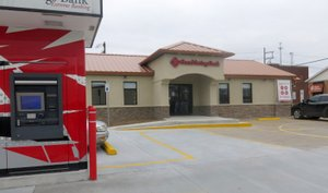 Westside Eagle Observer/SUSAN HOLLAND The new Grand Savings Bank branch at 198 Atlanta Street S.E. in Gravette opened on Nov. 13, 2017. The bank is open Monday through Thursday 8 a.m. to 4:30 p.m., Friday 9 a.m. to 5 p.m. and the drive-through only is open Saturday from 9 a.m. to noon. The ATM terminal in the foreground is available for use 24 hours a day.