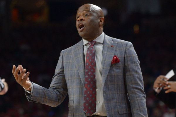 Arkansas coach Mike Anderson directs his team during a game against Missouri on Jan. 13, 2018, in Bud Walton Arena.
