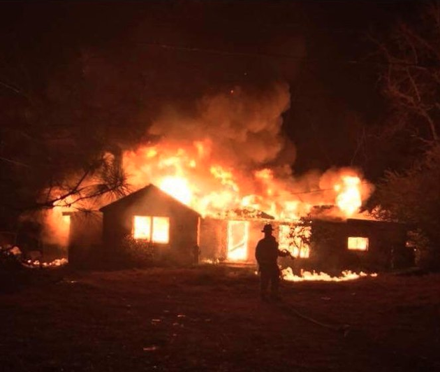authorities-responded-to-a-structure-fire-in-western-pulaski-county-as-snow-began-to-fall-monday-evening