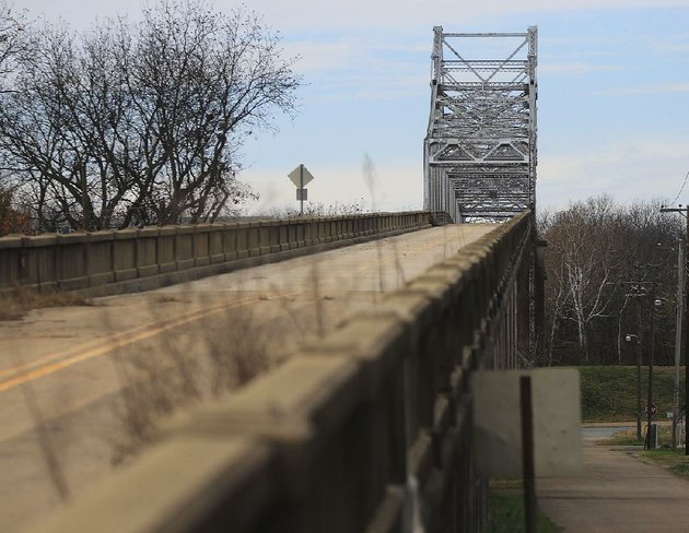 supporters-of-the-87-year-old-white-river-bridge-at-clarendon-say-the-span-is-too-valuable-as-a-historic-and-cultural-symbol-to-raze