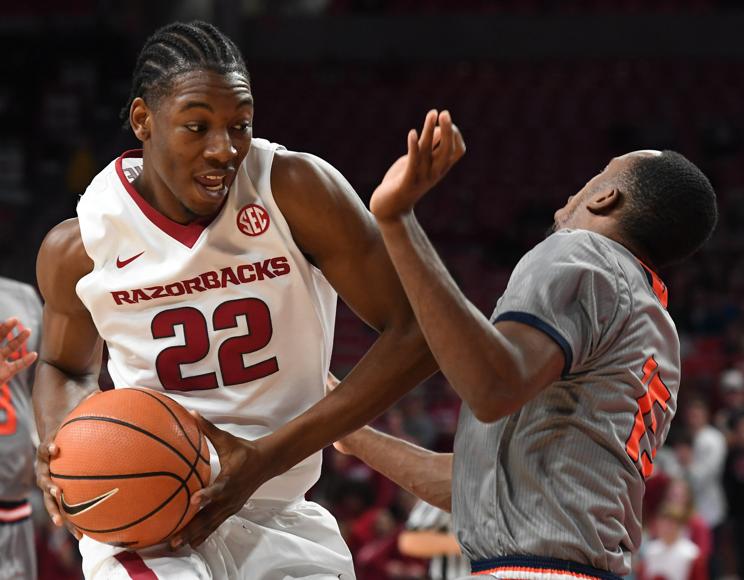 wholehogsports - osabuohien brings blue-collar work ethic