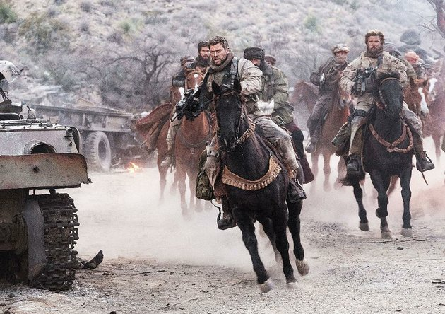 capt-mitch-nelson-chris-hemsworth-is-chosen-to-be-with-the-first-us-troops-sent-into-afghanistan-to-hunt-down-taliban-operatives-in-the-aftermath-of-the-sept-11-2001-terrorist-attacks-in-12-strong