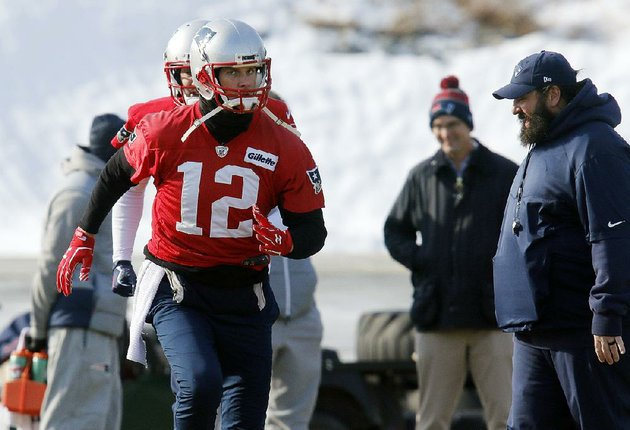 new-england-patriots-quarterback-tom-brady-would-not-discuss-how-he-suffered-an-injury-to-his-right-hand-and-said-well-see-when-asked-about-his-status-for-sundays-afc-championship-game-against-the-jacksonville-jaguars