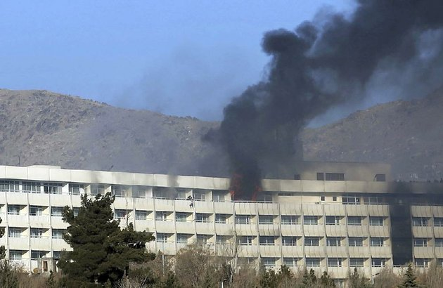 men-try-to-escape-from-a-balcony-of-the-intercontinental-hotel-after-an-attack-sunday-in-kabul-afghanistan