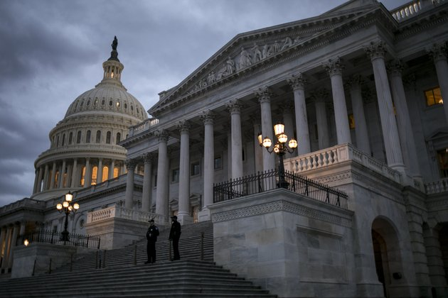 night-falls-on-the-us-capitol-on-second-day-of-the-federal-shutdown-as-lawmakers-negotiate-behind-closed-doors-in-washington-sunday-jan-21-2018-ap-photoj-scott-applewhite