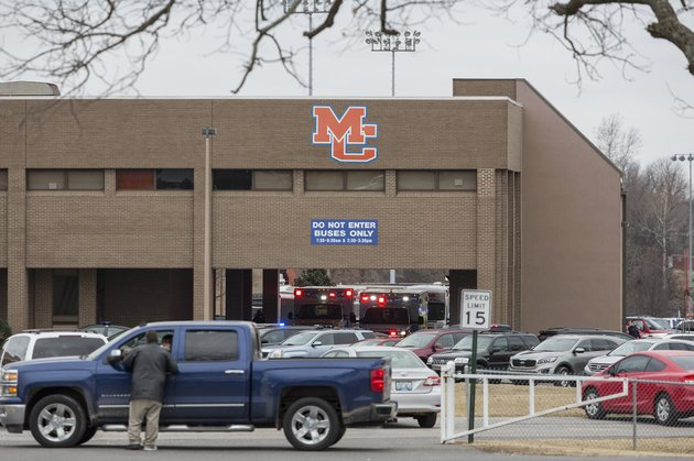emergency-crews-respond-to-marshall-county-high-school-after-a-fatal-school-shooting-tuesday-jan-23-2018-in-benton-ky-authorities-said-a-shooting-suspect-was-in-custody-ryan-hermensthe-paducah-sun-via-ap