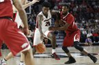 Georgia forward Rayshaun Hammonds (20) moves the ball down the court during the first half of the team's NCAA college basketball game against Arkansas in Athens, Ga., Tuesday, Jan. 23, 2018. (Joshua L. Jones/Athens Banner-Herald via AP)